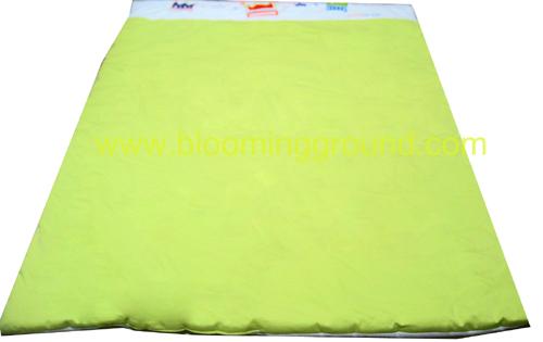 ผ้าห่มเตียงเด็กโต สีเขียว มงกุฎ