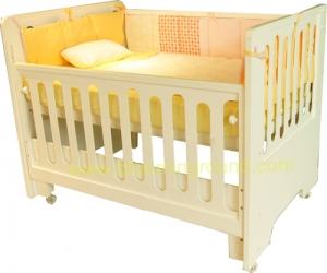 'Touch' Extended Bed เตียงเด็กอ่อนพร้อมส่วนขยาย 'ทัช' (Touch)